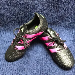 NEW adidas 16.4 girls soccer cleats size 4.5 nice
